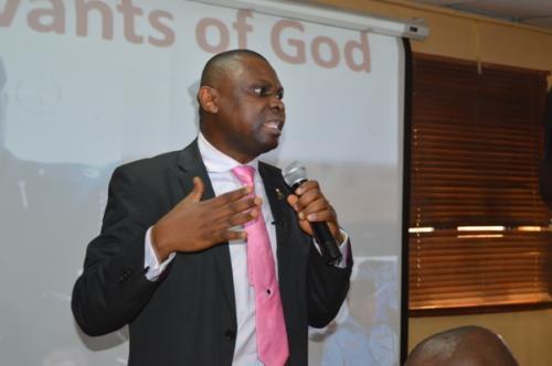 Mister Motivator addressing officers as servants of God